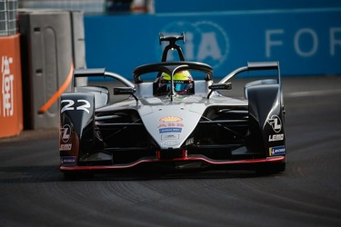 Oliver Rowland beats Vergne to his first FE pole positon at Sanya